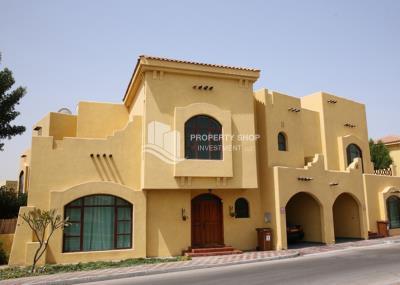 Elegant villa Multiple Payments w/ No Extra Fees.