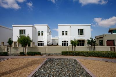 3BR Villa for rent in Al Ghadeer