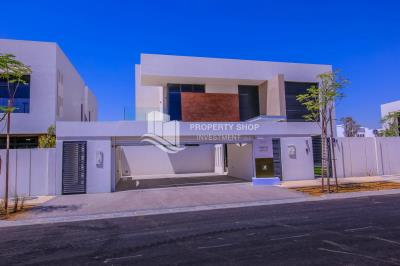 Own a property in a luxurious community in West Yas, corner villa