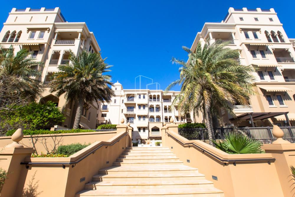 Property-Beautiful and unique living spaces in Saadiyat Beach Residences, 1BR Apt Available for rent! Zero Commission!