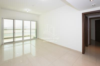 3BR Apt on a high floor with Stunning Sea View!
