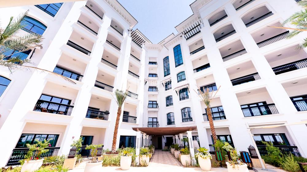 Property-Biggest Studio in Ansam with Golf Course View