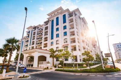 2BR in Ansam 4 with Mall View in Yas Island.