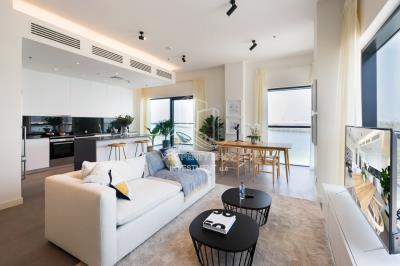 Modern home with direct access to the beach in Al Reem Island.