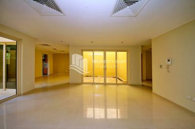 For sale! 3br townhouse in Al Raha Gardens!