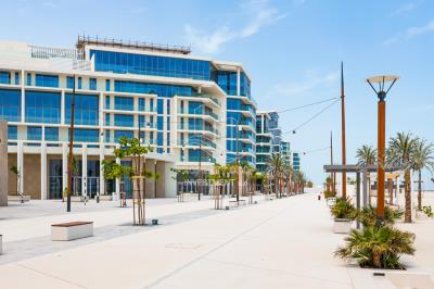 Beach Front! Luxurious 4br apt. in Mamsha Saadiyat!