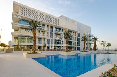 FULLY FURNISHED – SIMPLEX APARTMENT AVAILABLE FOR RENT WITH PARTIAL SEA VIEW.