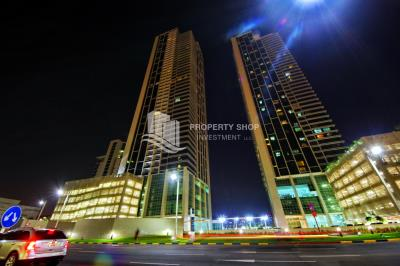 Furnished 1BR Apt in a High floor with great facilities.
