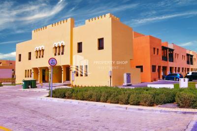 Elegant 3BR villa unit with garage parking for Rent in Hydra Village