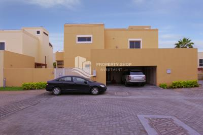 Exquisite villa Type A with Pool in great Community.