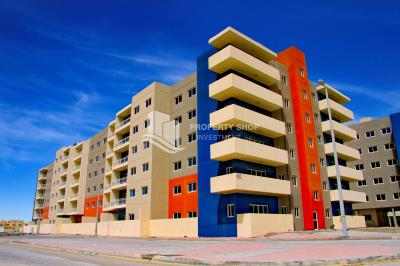 Exquisite 2BR apartment for Sale in Al Reef Downtown