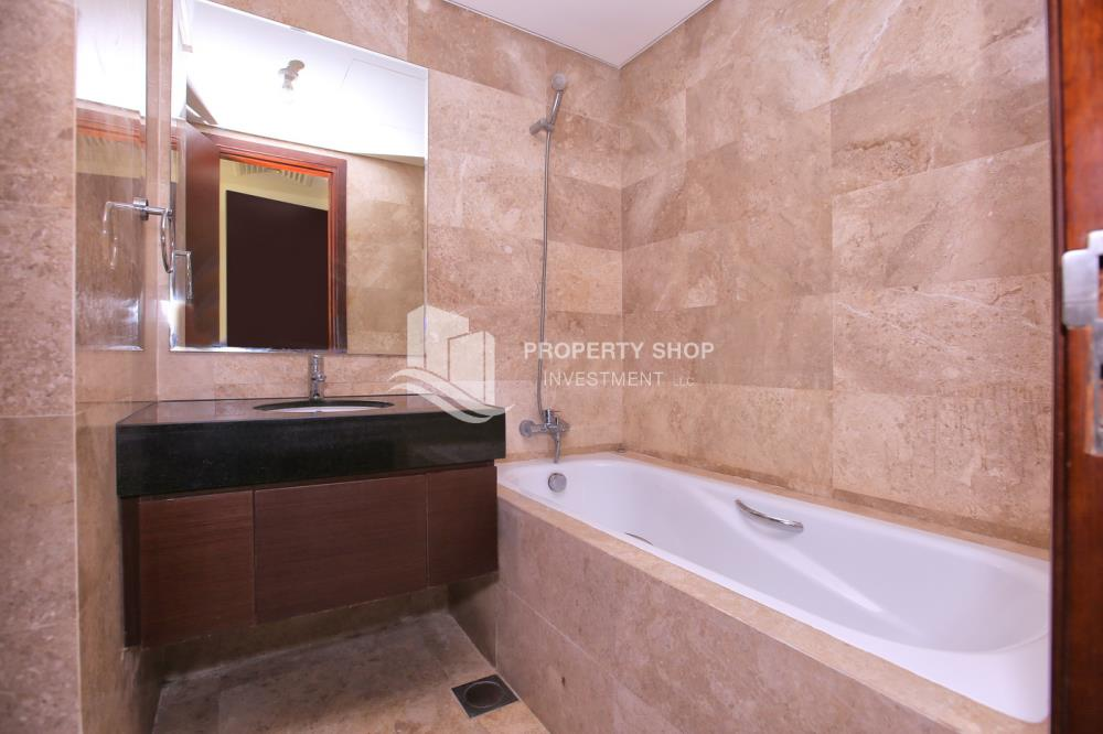 Bathroom-High standard 2BR apartment with amazing view