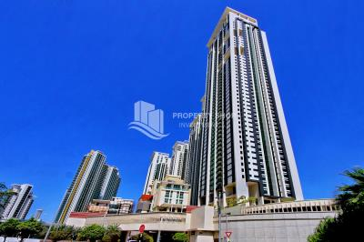 High floor 1BR Apt with pool view.