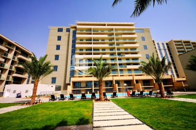 Move in Now High Floor Full Sea View Apt