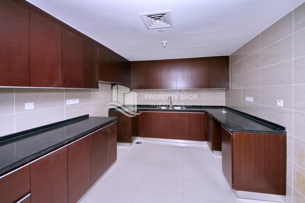 Kitchen-1BR Apt for Sale in Marina Blue, Al Reem Island.