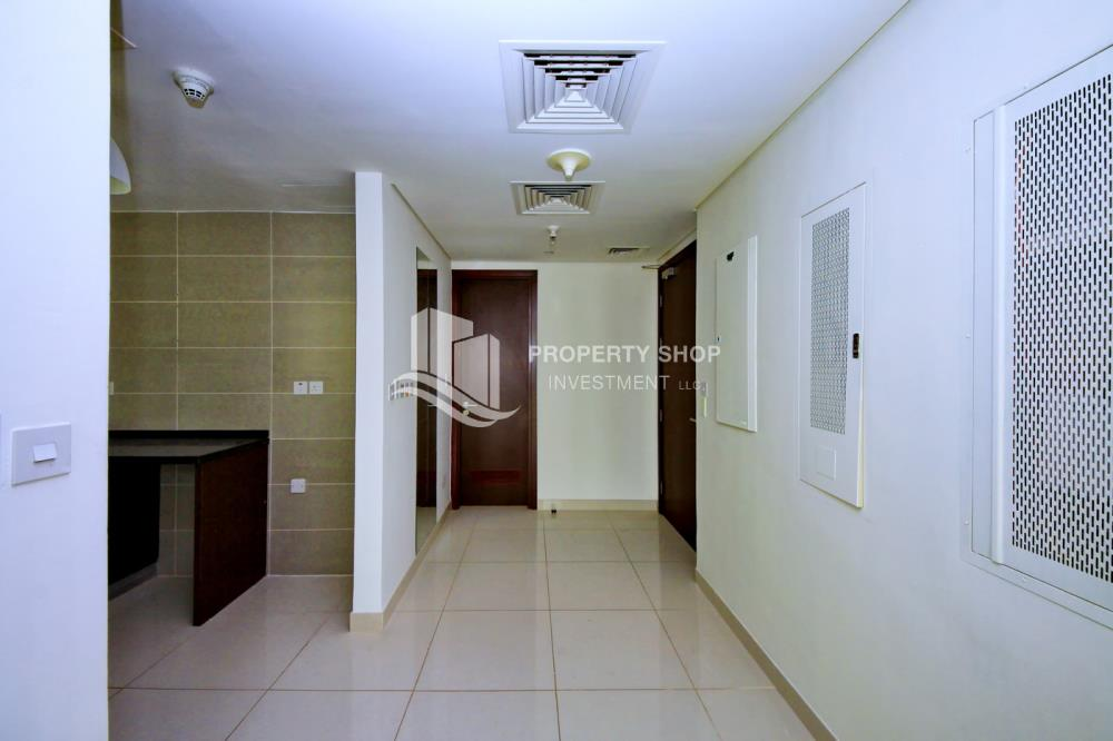 Foyer-2BR Apt for Sale in Matina Blue