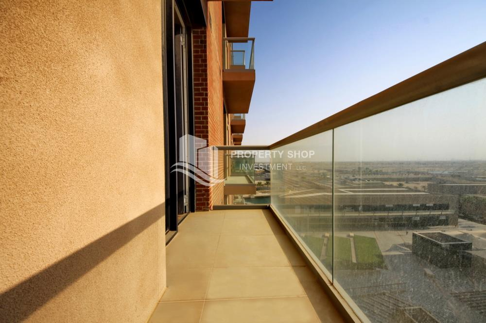 Balcony-Ready to move in high- end studio with Sea View available for rent