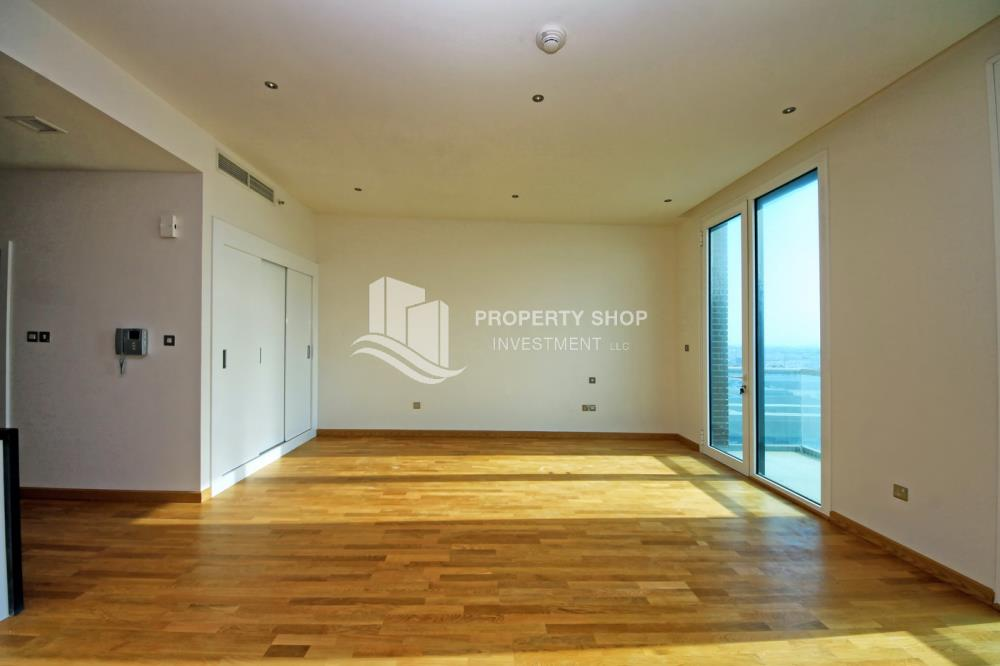 Bedroom-Ready to move in high- end studio with Sea View available for rent