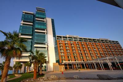 Luxurious 1 Bedroom Apartment For Rent in Al Barza, Al Bandar, Al Raha Beach