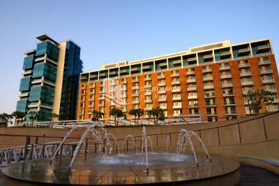 High class quality studio apartment with alluring marina-community views in Al Bandar for rent!