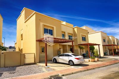 Single row 5+M villa vacant for rent