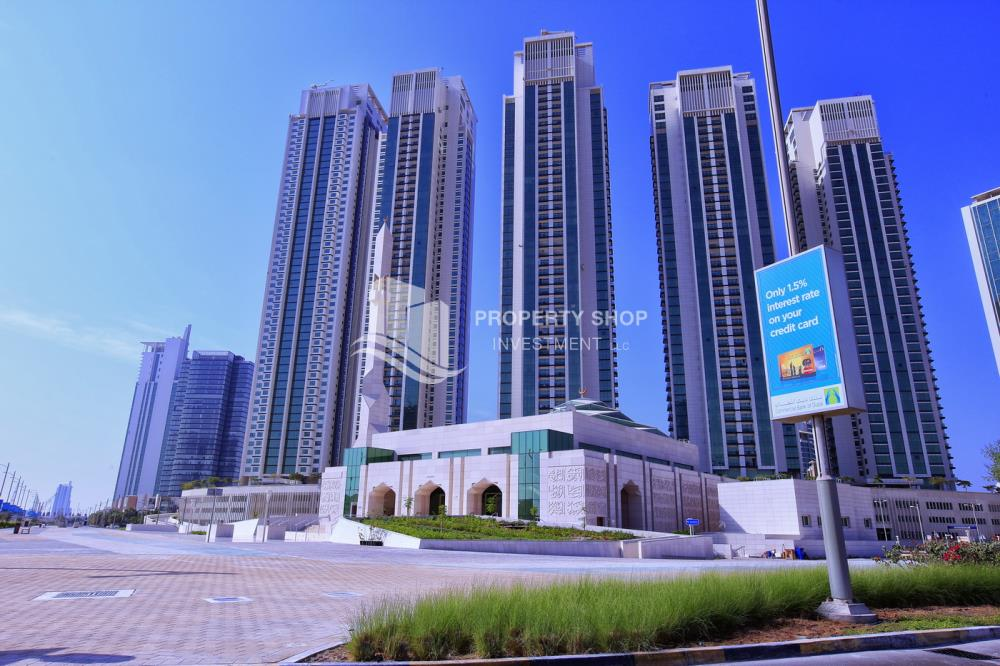 Community-Exquisite Marina Blue 2 bed for sale !!!