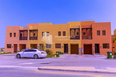 Spacious 3BHK available for rent in Hydra Village