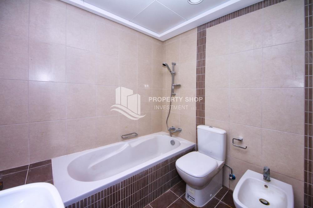 Bathroom-High Return on Investment for Amazing 1BR + Modern Facilities.