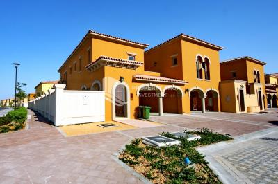 Relaxing community-garden view, 4BR Townhouse for sale in Saadiyat Island- Great Price