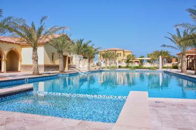 Supersized Prestigious Executive Arabian 6Br Villa.