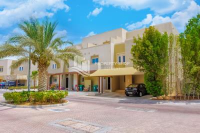 Single Row, 2BR + Study for rent in Desert Village