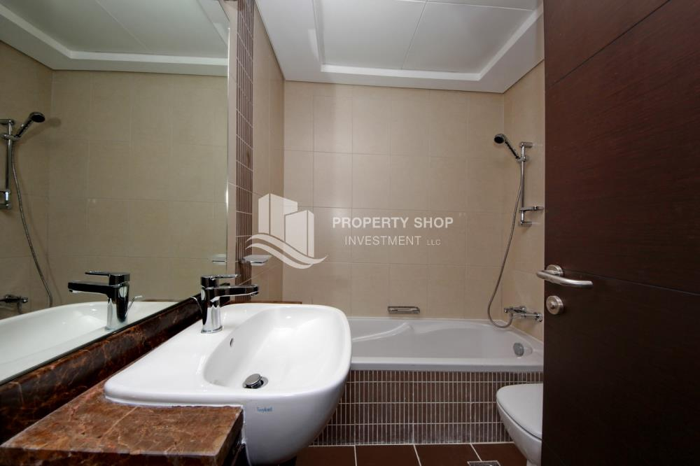 Bathroom-Great Deal for Spacious 1 BR in Mangrove Place Al Reem