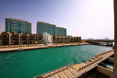 Best Deal! High Floor Apt with Sea View.