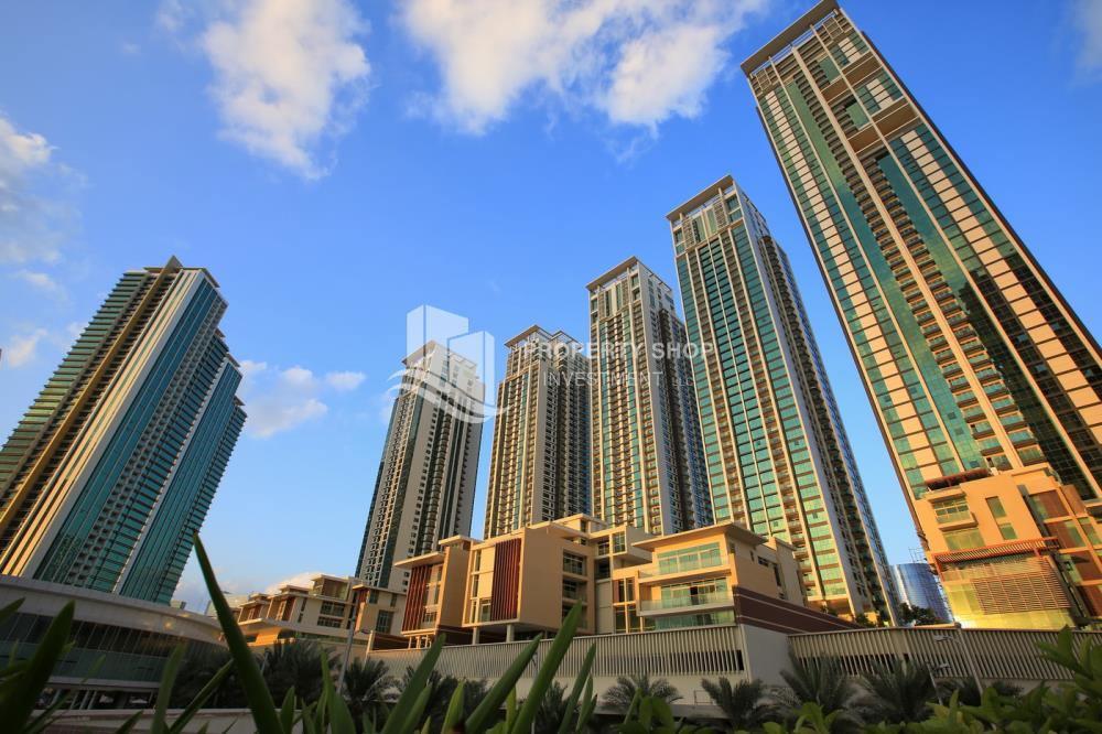 Property-Low floor 1BR unit with sea view.