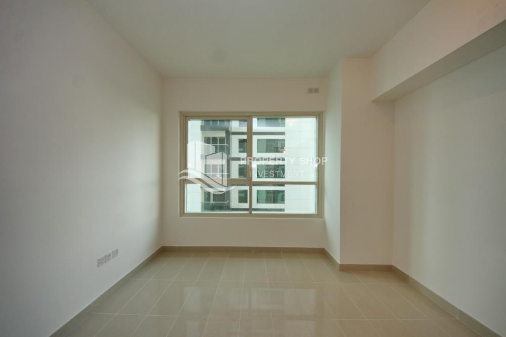 Bedroom-Low floor 1BR unit with sea view.