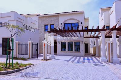 Luxurious Living 4BR+M townhouse villa plus Driver's room