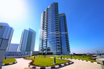 2 Bedroom Apartment in Sea view Tower Al Reem Island For RENT!