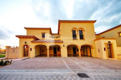 Quadplex Townhouse with Best Quality Locaiton & Finishing.