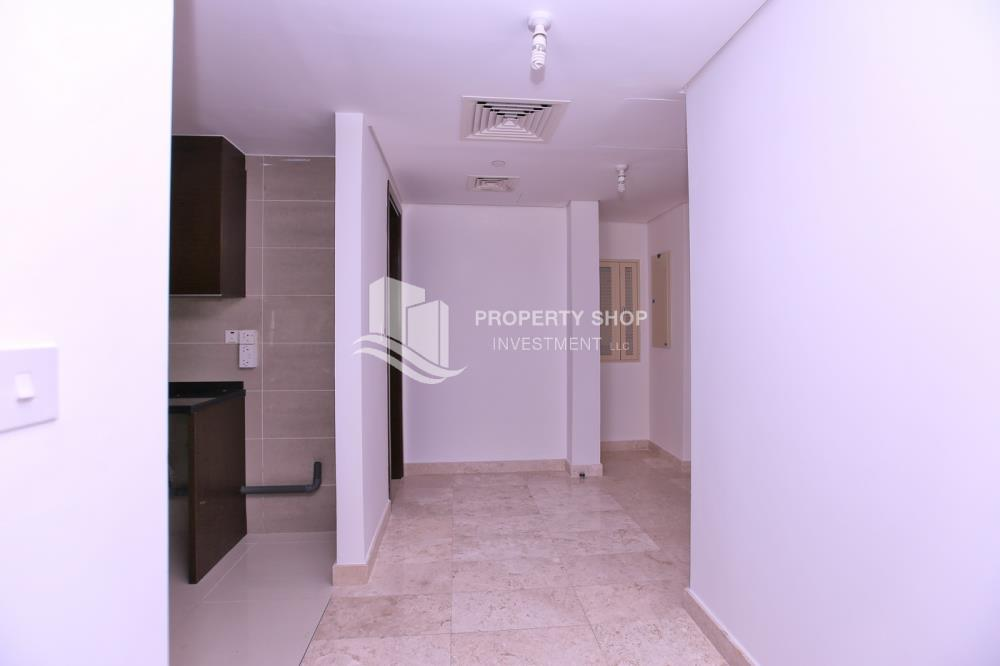 Hall-Amazing 2BR for sale in Marina Heights 2