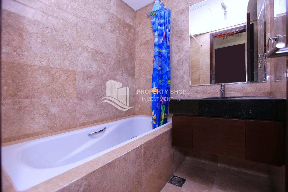 Bathroom-Amazing 2BR for sale in Marina Heights 2