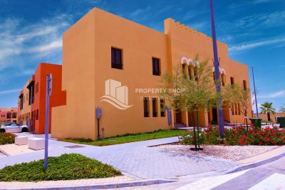 Rent Refundable + Semi Corner 2BR Villa for sale -Zone 7