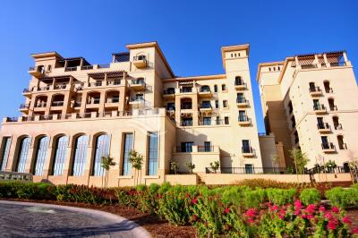 Affordable luxury 2 Bedroom Apartment fo sale in St. Regis Residence, Saadiyat Island!