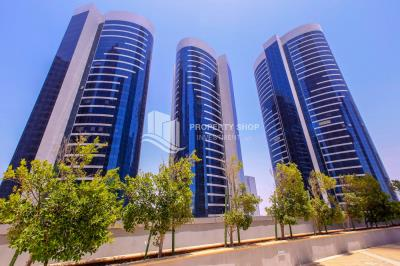 Modern style studio apartment for rent in Hydra Avenue Tower.