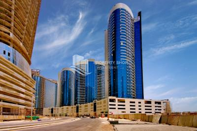 Vacant Big Studio on high floor With Sea View.