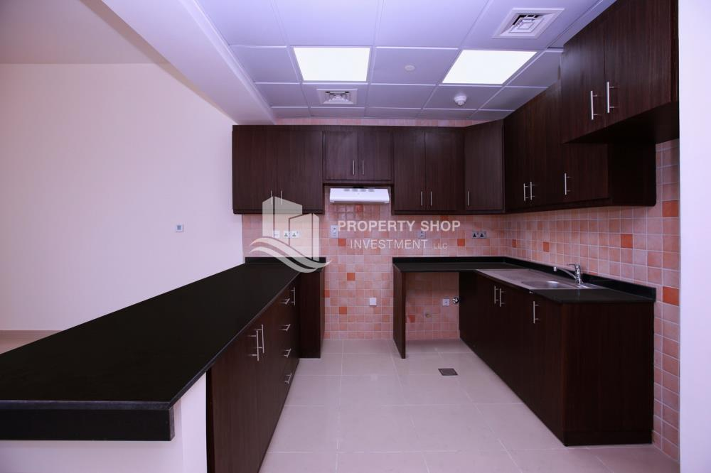 Kitchen-Spacious high-floor studio with an open-kitchen available for rent at 44k in Hydra Avenue Towers!