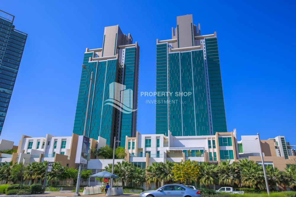 Property-Spacious and luxurious high-floor 4BHK + M with a marina view available for rent in MAG 5!
