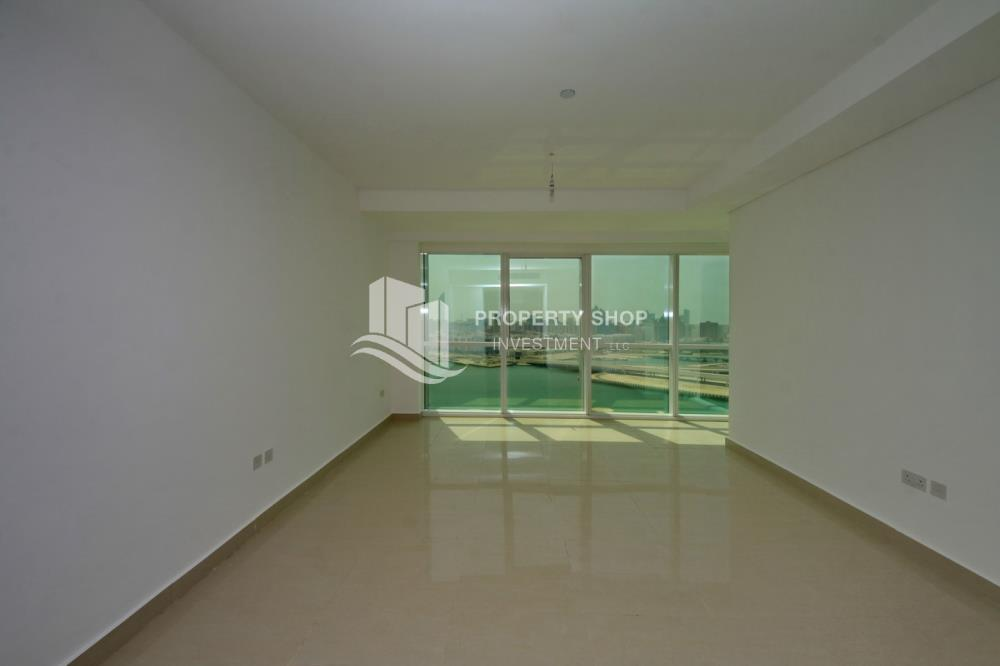 Bedroom-Spacious high-floor 2BHK with huge layout available for rent in Mag 5