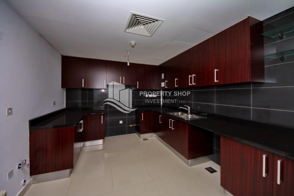 Kitchen-Spacious high-floor 2BHK with huge layout available for rent in Mag 5