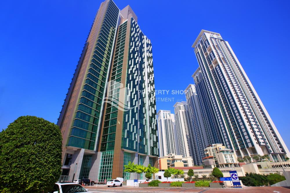 Community-Hot Deal! Move In Impressive Huge Living Space w/ Iconic View