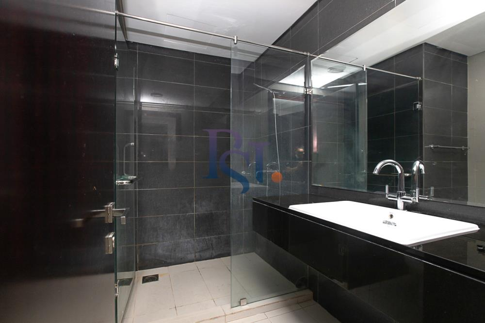 Bathroom-Hot Deal! Move In Impressive Huge Living Space w/ Iconic View